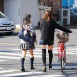 【妖怪サドル舐め】女子高生の自転車、家の下のおっさんにとんでもないことされるwww(画像あり)