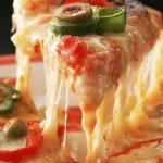 【閲覧注意】宅配ピザにゴキブリが混入…(証拠画像あり)