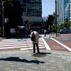 横断歩道「信号を守る日本人」「信号を無視する中国人」その違いの理由がwwwwww