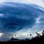 【速報】台風5号、現在の進路予想がやばい…震えが止まらん…