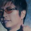 【ケンカ最強】GACKT、腕相撲で圧勝の手口が卑怯だと噂にwww(動画あり)