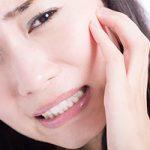 【衝撃画像】ワオ、虫歯を舌先でイジっていたらポロリと抜ける・・・(画像あり)