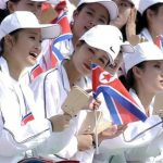 アメリカ「北朝鮮の応援団キモすぎwwみんなでマネしようぜ!」→ 結果・・・(動画あり)