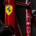【衝撃】ランボルギーニとフェラーリが「高級ロードバイク」を発売した結果wwwww