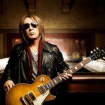 B′z松本孝弘、愛用ギターが1997年に行方不明になった結果…(画像あり)