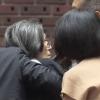 【アメフト】日大学長会見、乱入した72歳女性の正体wwwwwww