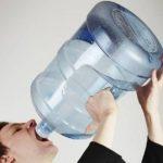 【衝撃的】1日10Lの水を飲んだ結果wwwwwwwwww