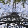 【衝撃画像】鉄塔(100m)で作業するラインマンたちがスゴいwwwwwwww(画像あり)
