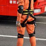 【驚愕】火事現場で救助隊員がエンジンカッターで玄関ドアを切る→ 衝撃の結果に……