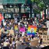 【驚愕】小島慶子さん、人種差別抗議デモに批判的な日本人に物申す!!!