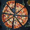 【狂気】アメリカのピザ、ヤバすぎるwwwwwwww(画像あり)