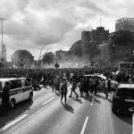 【驚愕】フランスで大規模デモ、その衝撃の光景が話題に……!!!(画像あり)